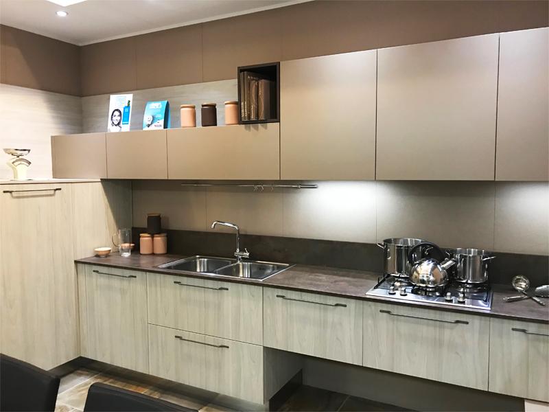 Cucina angolare con zona living | Arredamento Mobili ArredissimA