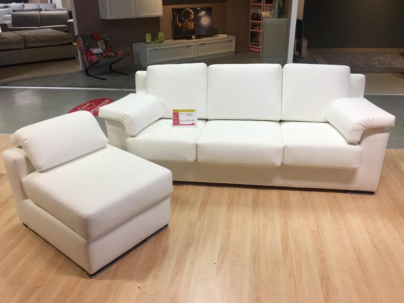 Divano letto in eco pelle bianco co npouf arredamento mobili arredissima - Pouf letto torino ...
