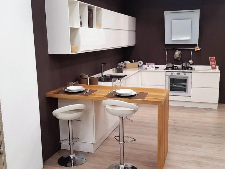 Cucina moderna laccata 05 arredamento mobili arredissima - Cucina moderna angolare ...