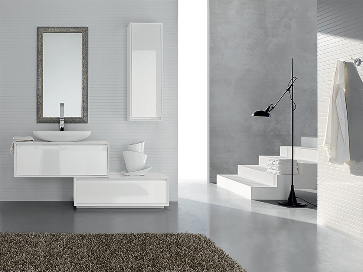 Mobili bagno bianco specchiera mobili bagno for 2 br 2 piani casa bagno
