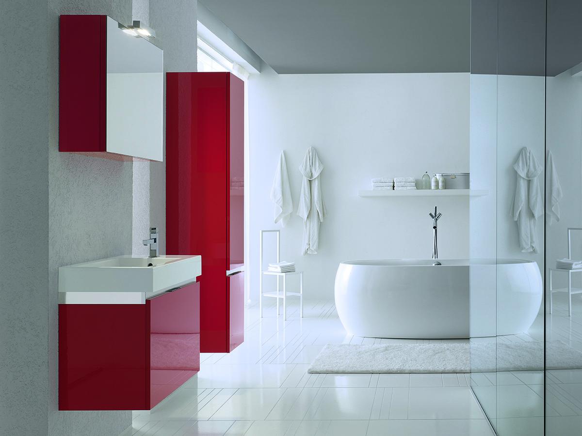 Bagno rosso con piano mineralmarmo | Mobili Bagno ...