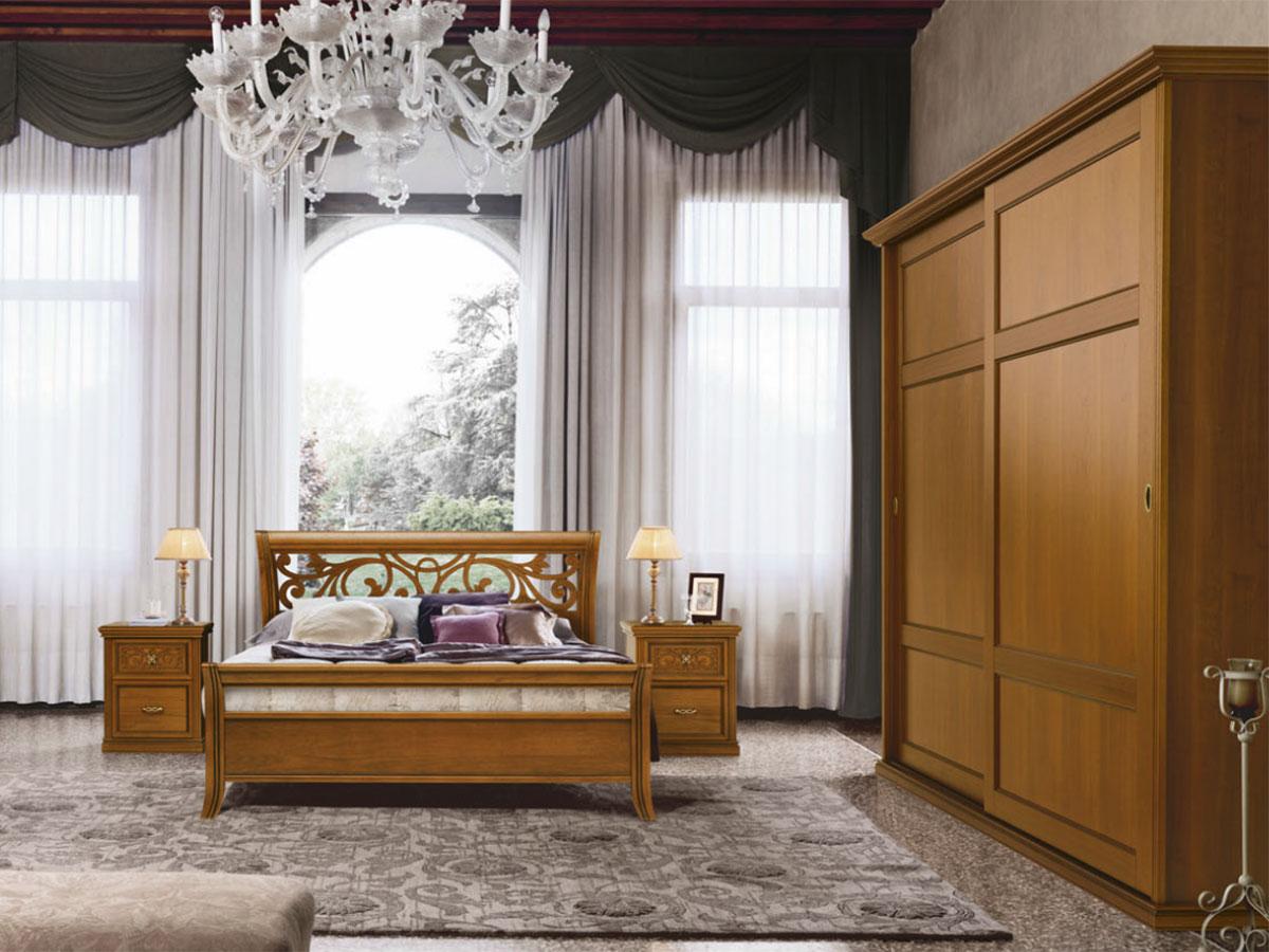 Camera da letto in stile classico arredamento mobili for Casa tua arredamenti rovereto