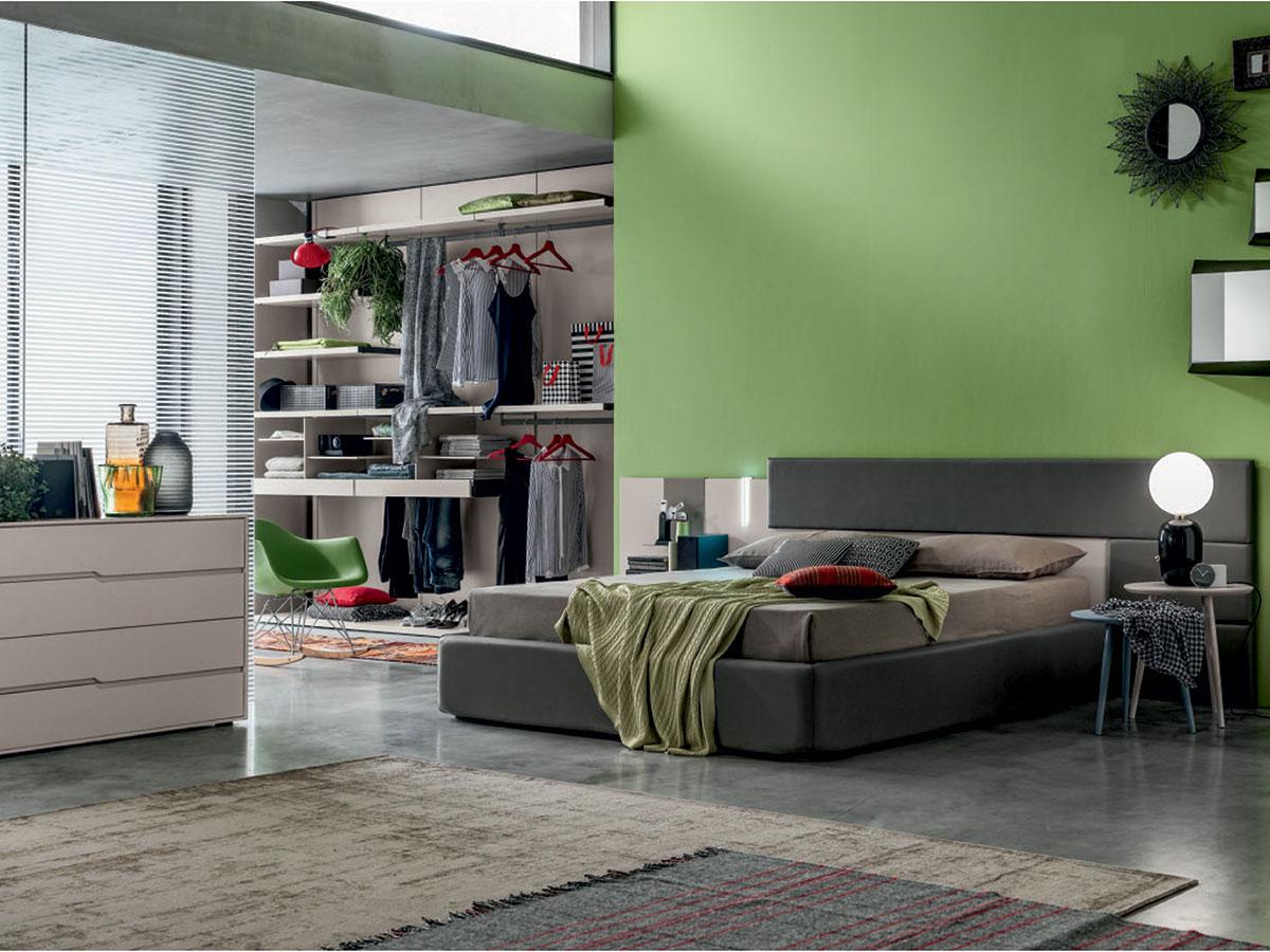 Camera matrimoniale con cabina armadio e letto contenitore arredamento mobili arredissima for Camere da letto veneto