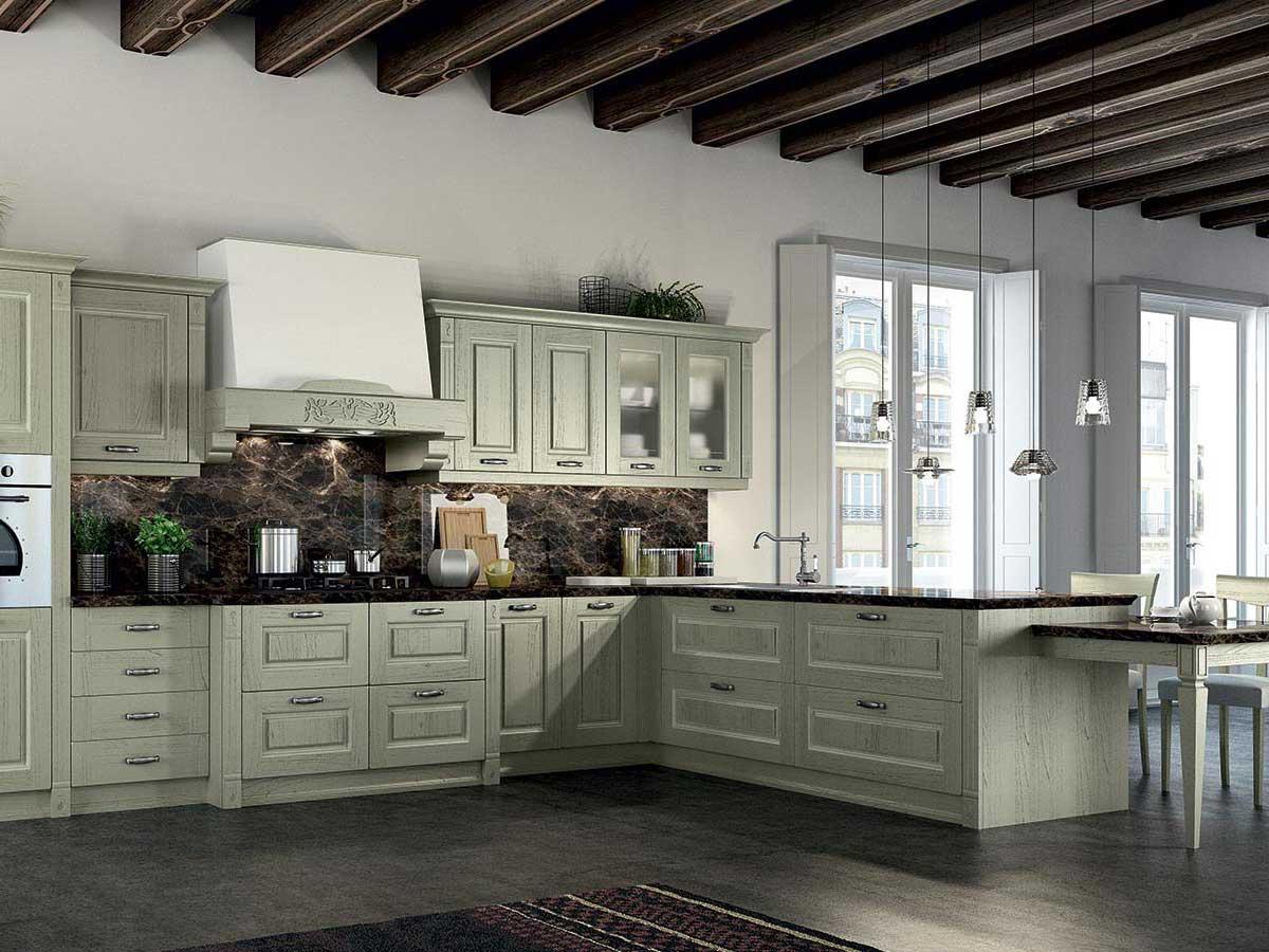 Cucina classica in legno massello arredamento mobili for La cucina classica