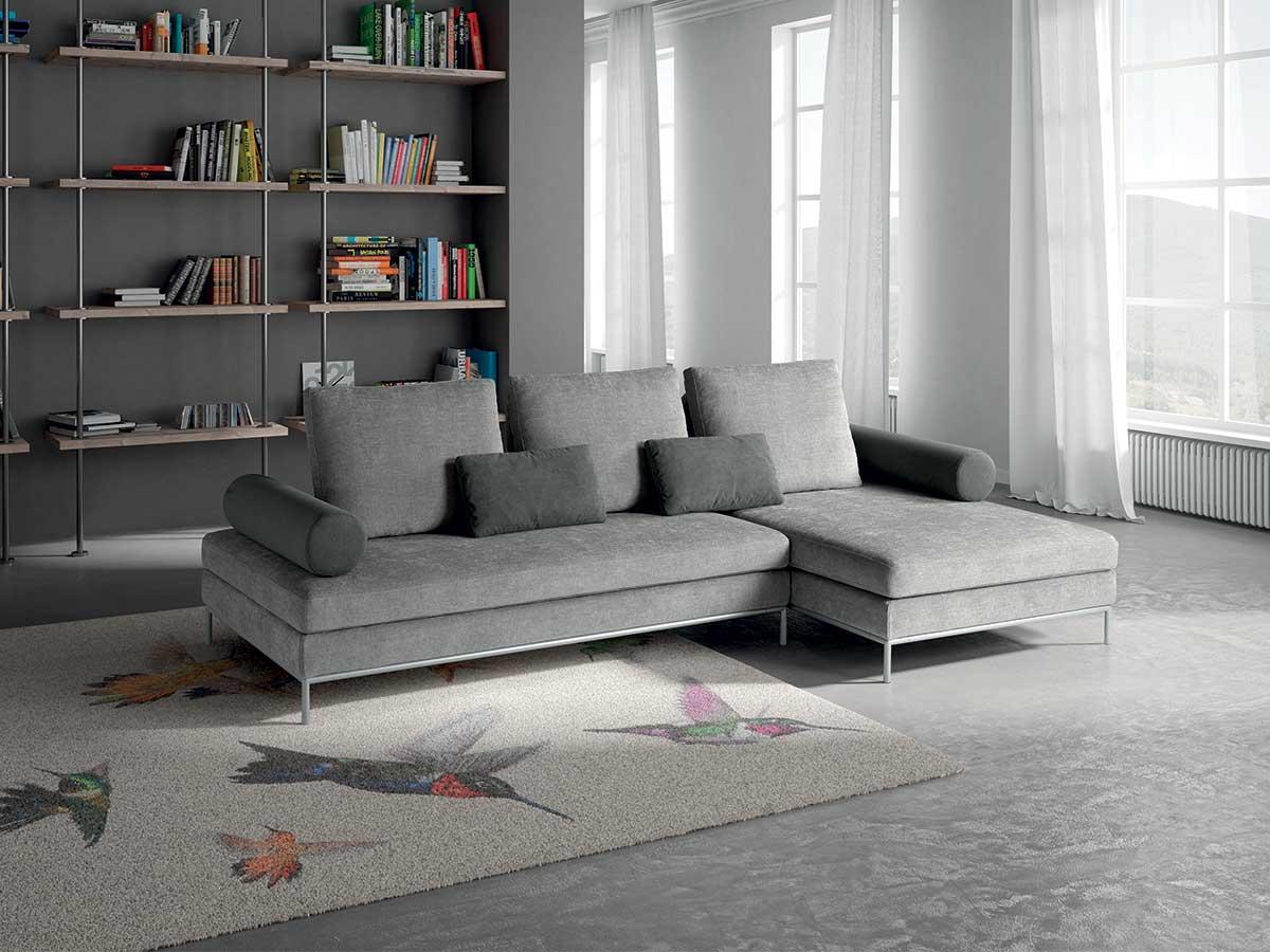 Divano lineare o angolare minimal arredamento mobili for Salotti immagini