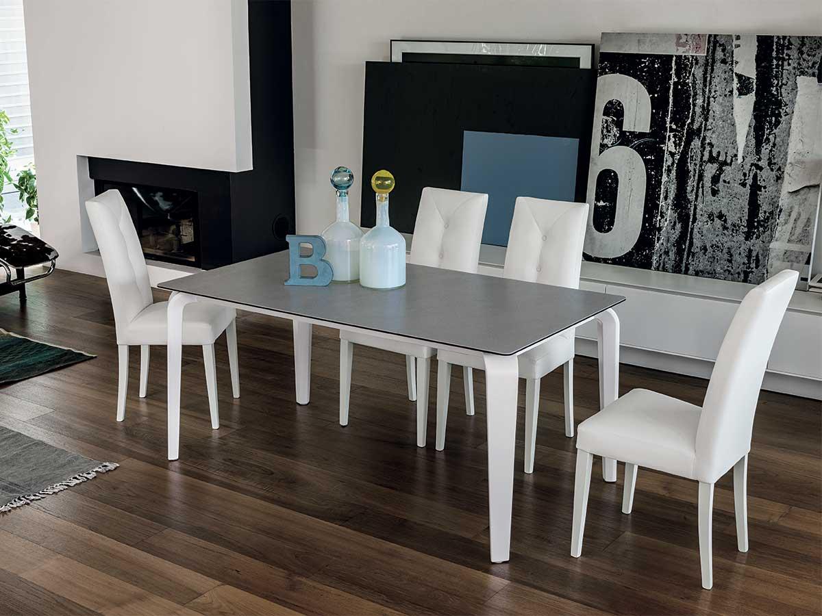 Tavolo moderno allungabile arredo soggiorno for Tavoli e sedie soggiorno moderno