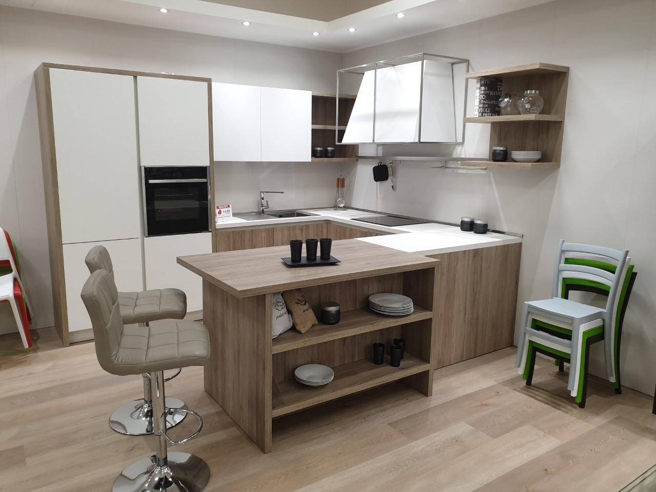Cucina moderna angolare con penisola   Arredamento Mobili ...