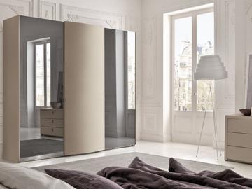 Cabina armadio camera da letto spaziosa arredissima for Armadi camere da letto prezzi